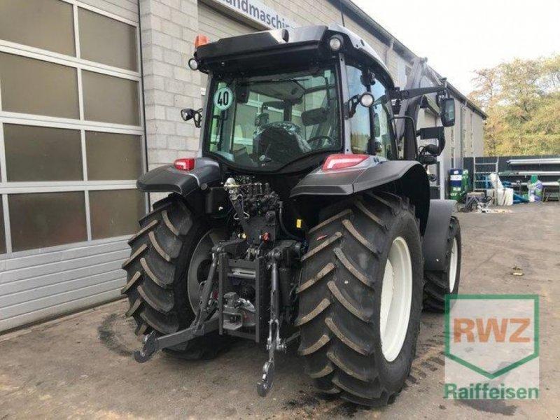 Traktor des Typs Valtra A104 H4, Vorführmaschine in Prüm (Bild 8)