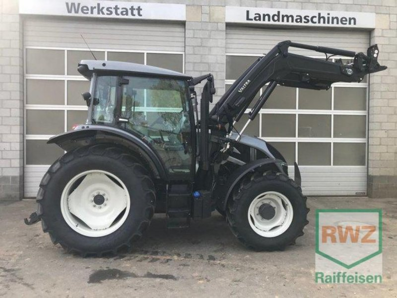 Traktor des Typs Valtra A104 H4, Vorführmaschine in Prüm (Bild 5)