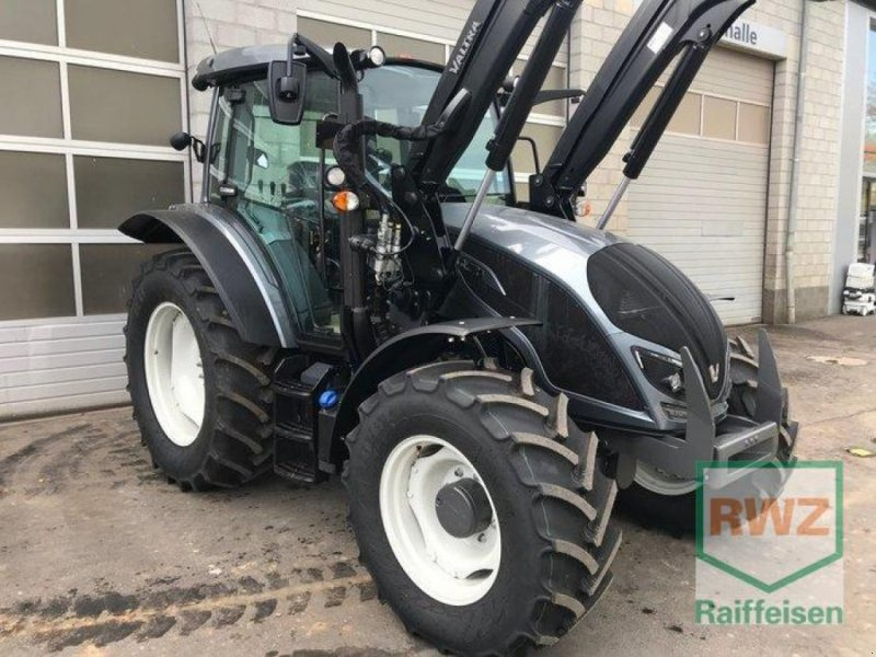 Traktor des Typs Valtra A104 H4, Vorführmaschine in Prüm (Bild 4)