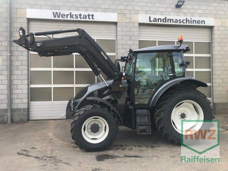 Traktor des Typs Valtra A104 H4, Vorführmaschine in Prüm (Bild 1)