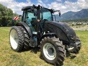 Traktor typu Valtra A104 Traktor, Gebrauchtmaschine v Chur