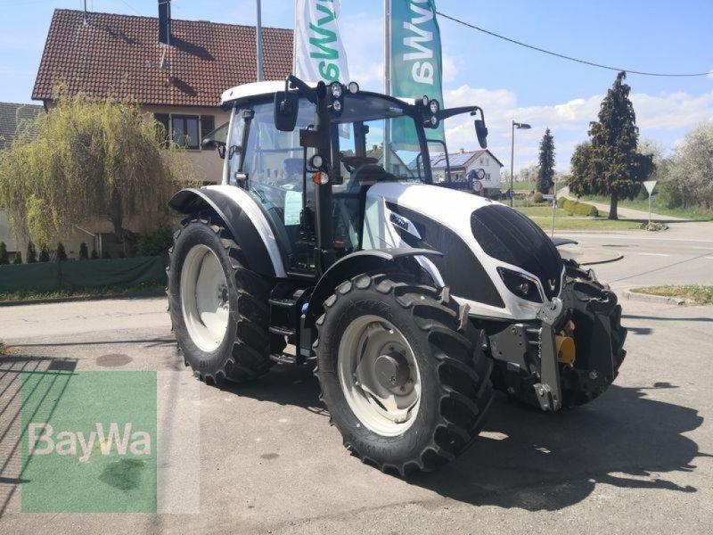 Traktor des Typs Valtra A104MH4 1A8  VALTRA TRAKTOR, Neumaschine in Eutingen (Bild 1)