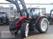 Valtra A114 H4 mit Frontlader 4L Traktor
