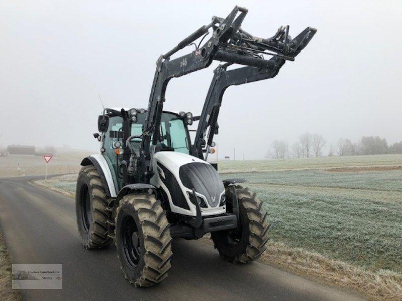 Traktor a típus Valtra A114H4, Gebrauchtmaschine ekkor: Weiden/Theisseil (Kép 1)