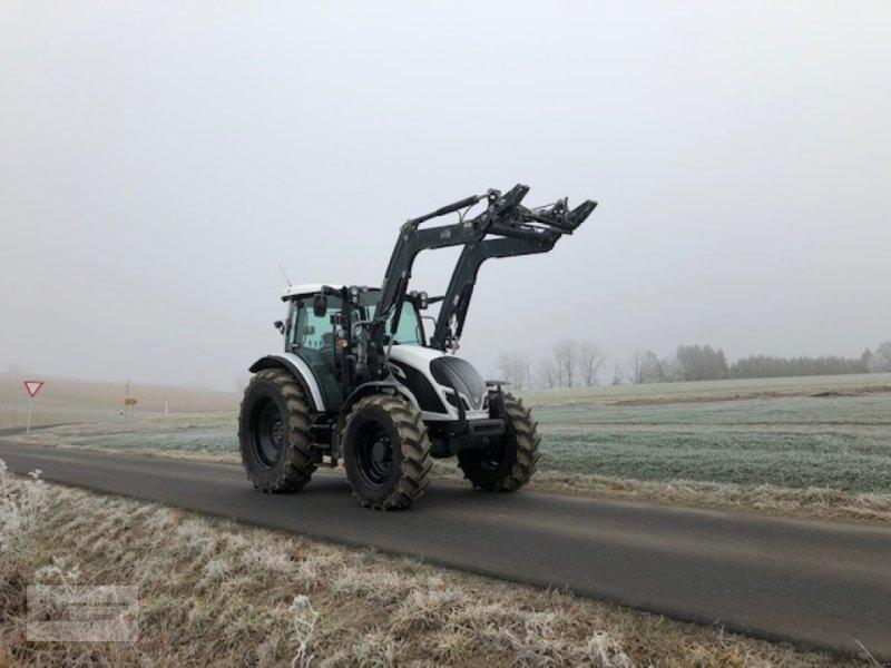 Traktor a típus Valtra A114H4, Gebrauchtmaschine ekkor: Weiden/Theisseil (Kép 3)