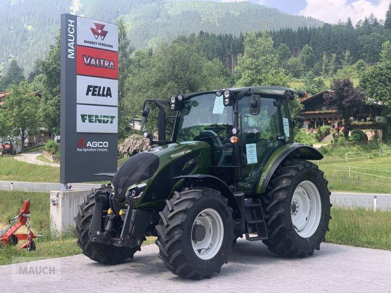 Traktor des Typs Valtra A115 MH4, Neumaschine in Eben (Bild 1)