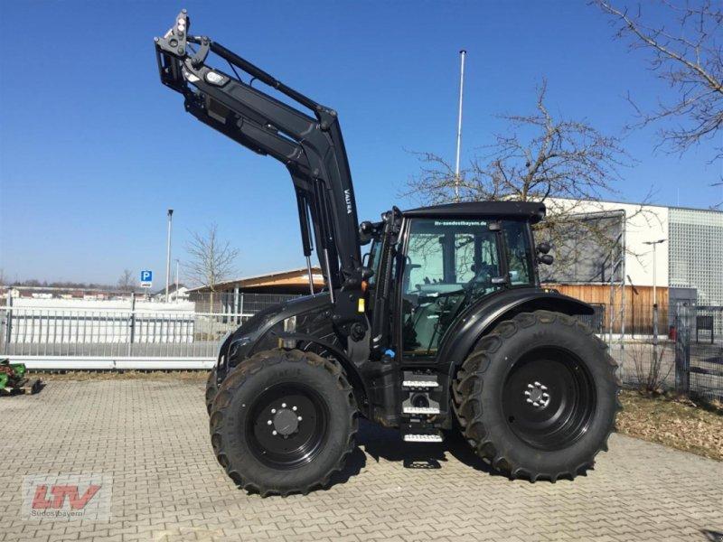 Traktor типа Valtra G 105 A 1B9 Black, Neumaschine в Eggenfelden (Фотография 1)