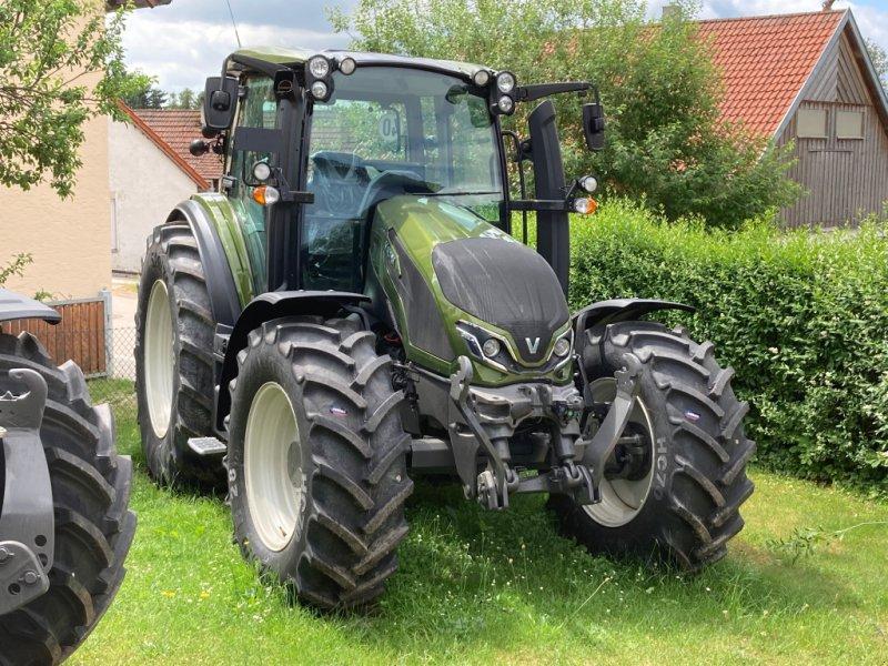 Traktor des Typs Valtra G 105 A, Neumaschine in Bodenwöhr/ Taxöldern (Bild 1)