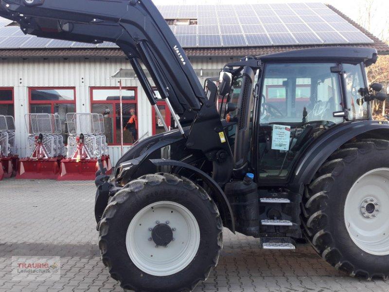 Traktor des Typs Valtra G 115 A mit FL ab Lager, Neumaschine in Mainburg/Wambach (Bild 1)