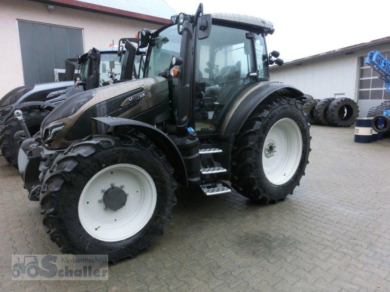 Traktor des Typs Valtra G 115 Activ, Neumaschine in Treuchtlingen (Bild 1)