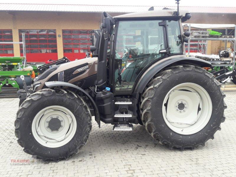 Traktor des Typs Valtra G 125 A, Neumaschine in Mainburg/Wambach (Bild 1)