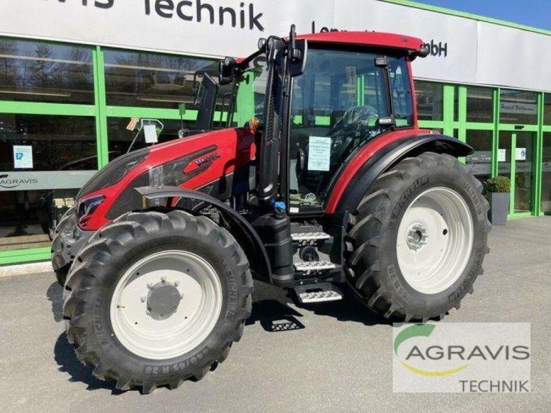 Traktor des Typs Valtra G 125 EA 1B9, Neumaschine in Meschede-Remblinghausen (Bild 1)