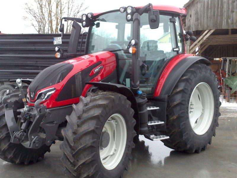 Traktor des Typs Valtra G 125 eH, Neumaschine in Bodenwöhr/ Taxöldern (Bild 1)