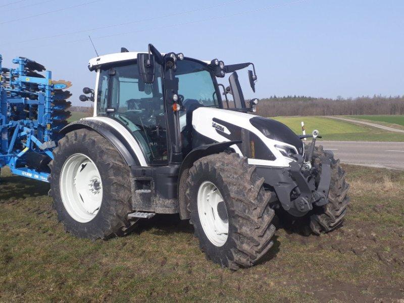 Traktor a típus Valtra G 125 Versu, Neumaschine ekkor: Uffenheim (Kép 1)