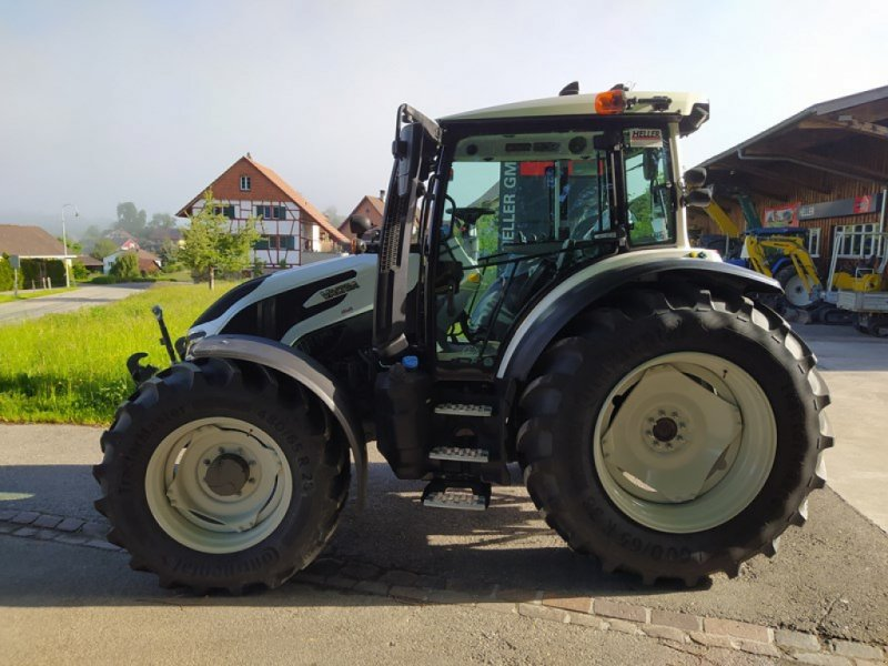 Traktor типа Valtra G 135 Active, Neumaschine в Guntalingen (Фотография 1)