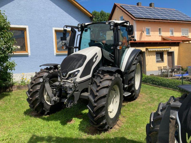 Traktor des Typs Valtra G 135 Versu, Neumaschine in Bodenwöhr/ Taxöldern (Bild 1)