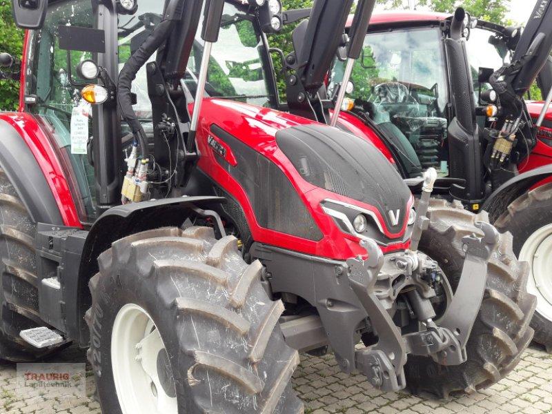 Traktor des Typs Valtra G125 Versu, Neumaschine in Mainburg/Wambach (Bild 1)
