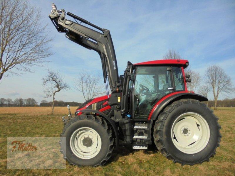 Traktor des Typs Valtra G125EA, Neumaschine in Taaken (Bild 1)