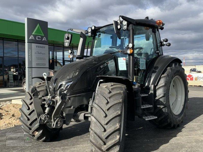 Traktor des Typs Valtra G135 VERSU, Neumaschine in Gerasdorf (Bild 1)