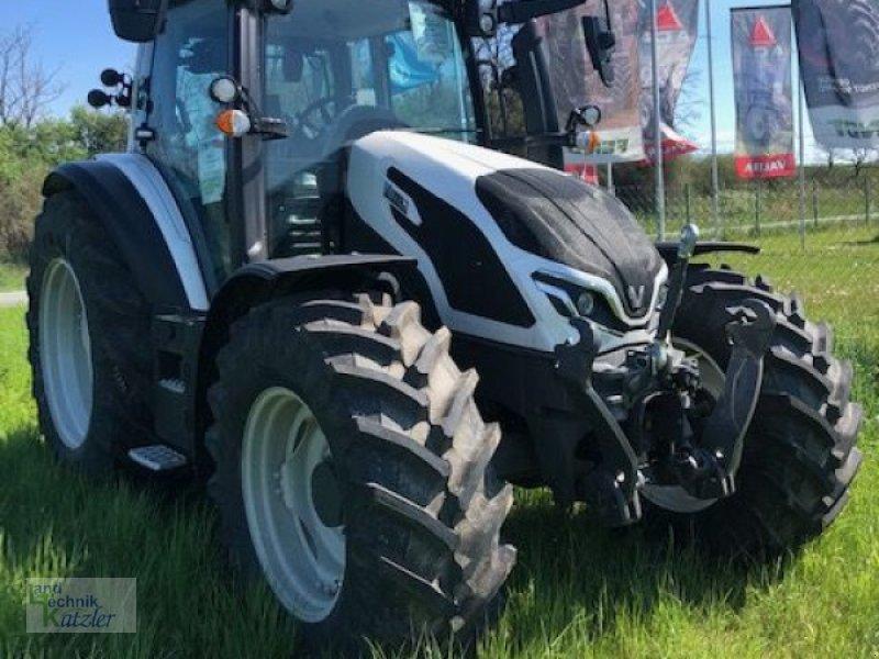Traktor des Typs Valtra G135 VERSU, Vorführmaschine in Deutsch-Wagram (Bild 1)