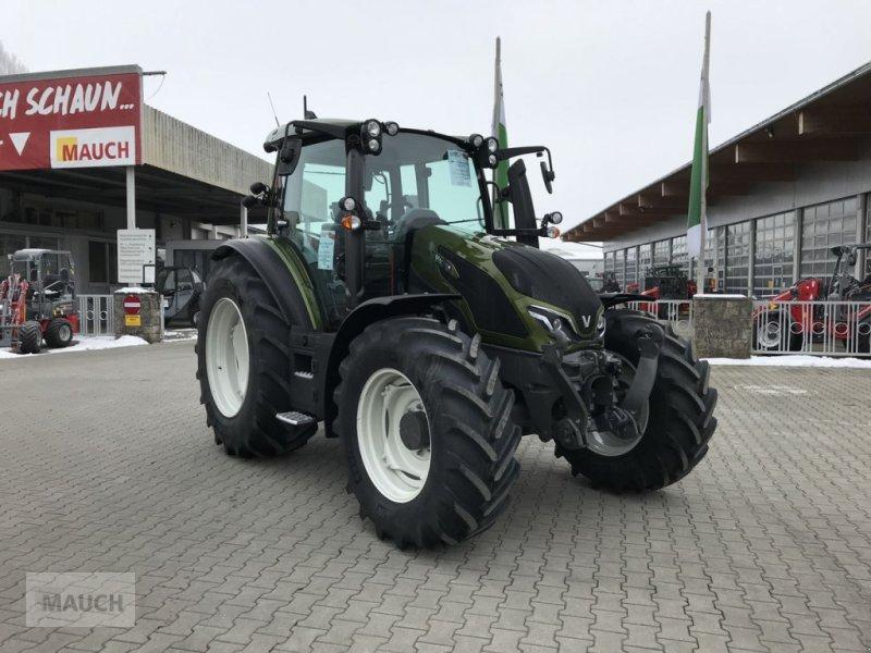 Traktor des Typs Valtra G135 VERSU, Neumaschine in Burgkirchen (Bild 1)