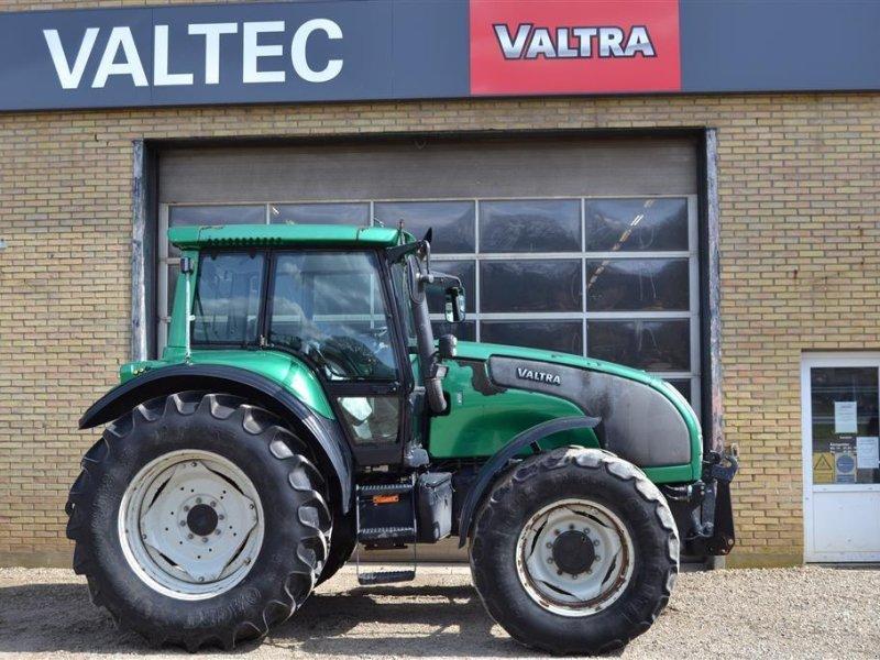 Traktor типа Valtra M150, Gebrauchtmaschine в Egtved (Фотография 1)