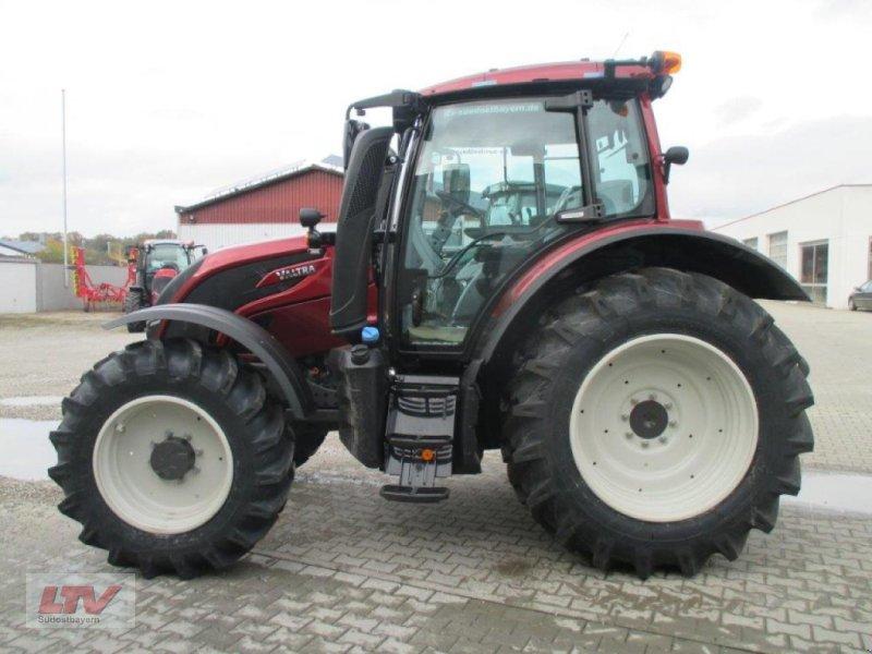 Traktor des Typs Valtra N 104 H 5 1B7 Rüfa, Neumaschine in Eggenfelden (Bild 5)