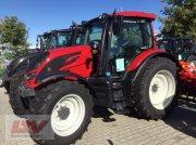 Valtra N 104 H 5 Traktor