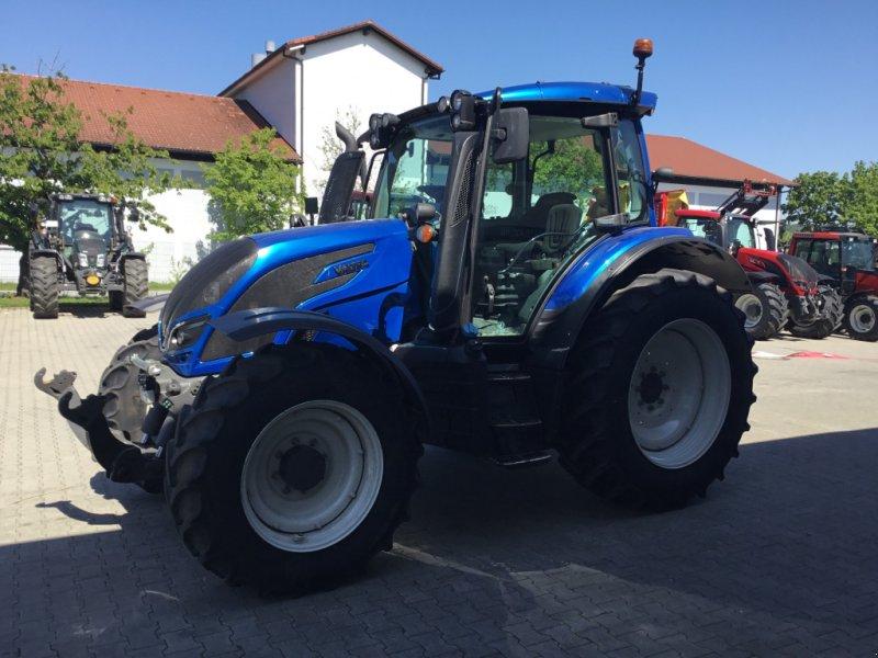 Traktor des Typs Valtra N 104 H, Gebrauchtmaschine in Deggendorf (Bild 2)