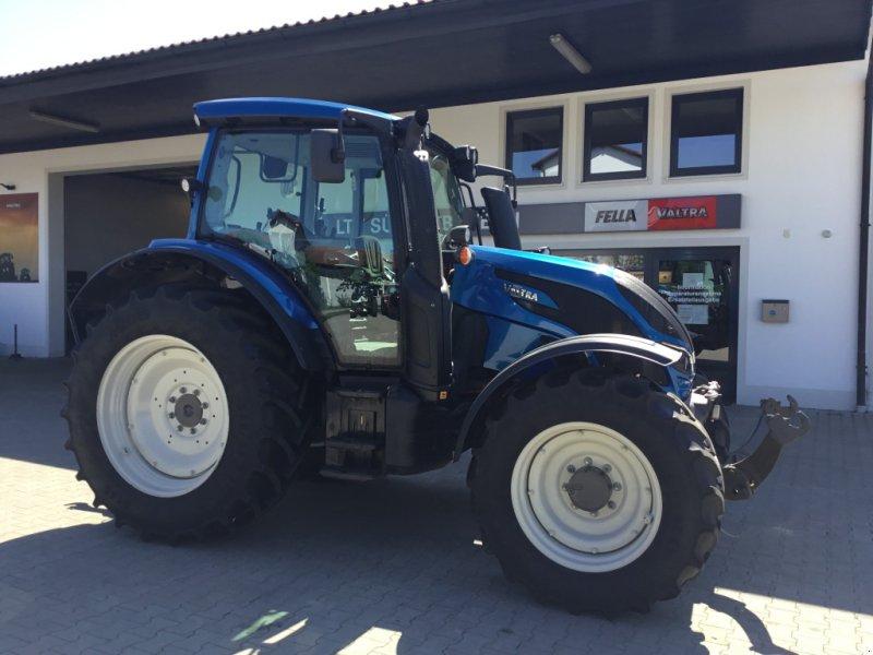 Traktor des Typs Valtra N 104 H, Gebrauchtmaschine in Deggendorf (Bild 4)