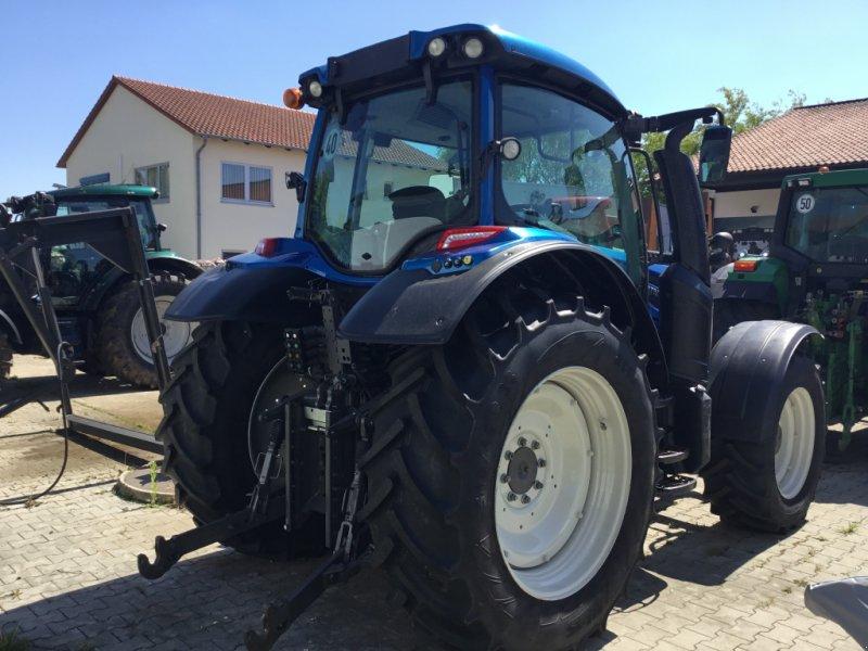 Traktor des Typs Valtra N 104 H, Gebrauchtmaschine in Deggendorf (Bild 6)