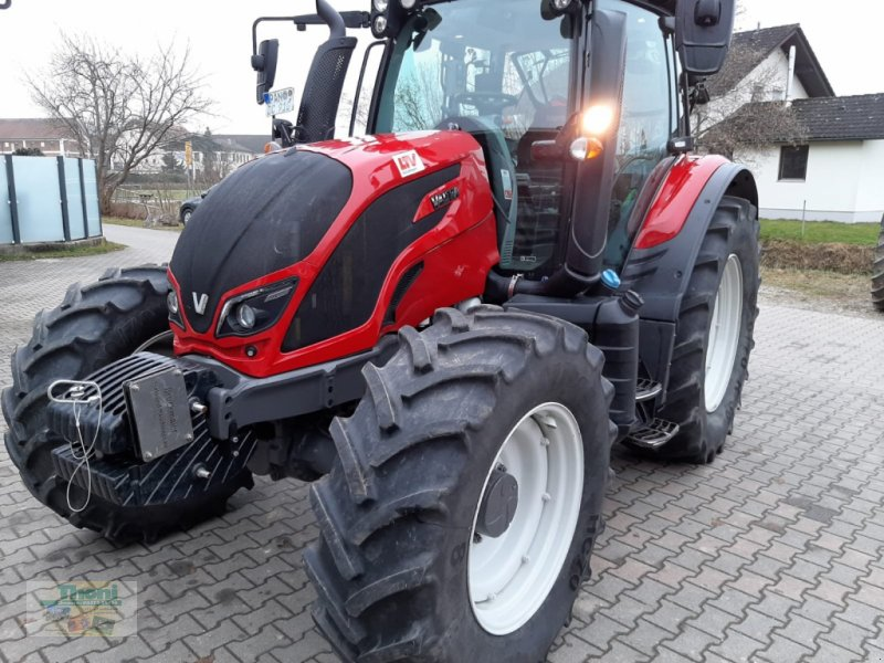Traktor des Typs Valtra N 104 H, Gebrauchtmaschine in Tann (Bild 1)