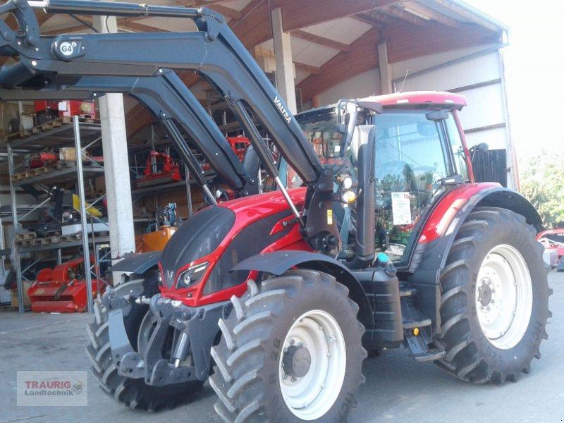 Traktor des Typs Valtra N 104H5 mit Fl, Neumaschine in Mainburg/Wambach (Bild 9)