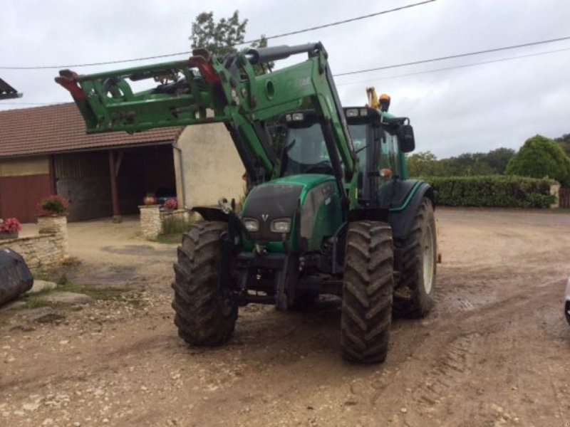 Traktor типа Valtra N 111 + CHARGEUR, Gebrauchtmaschine в Montauban (Фотография 1)