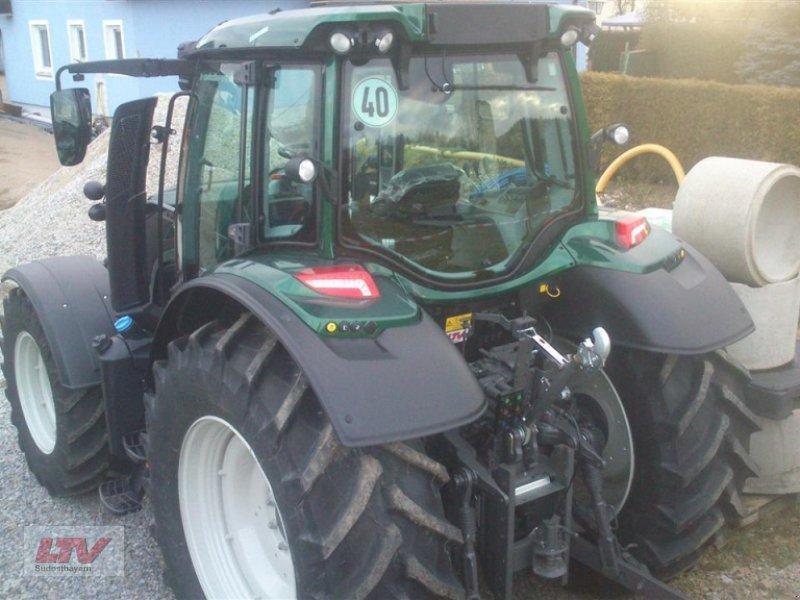 Traktor des Typs Valtra N 114e H 1B7, Neumaschine in Eggenfelden (Bild 4)