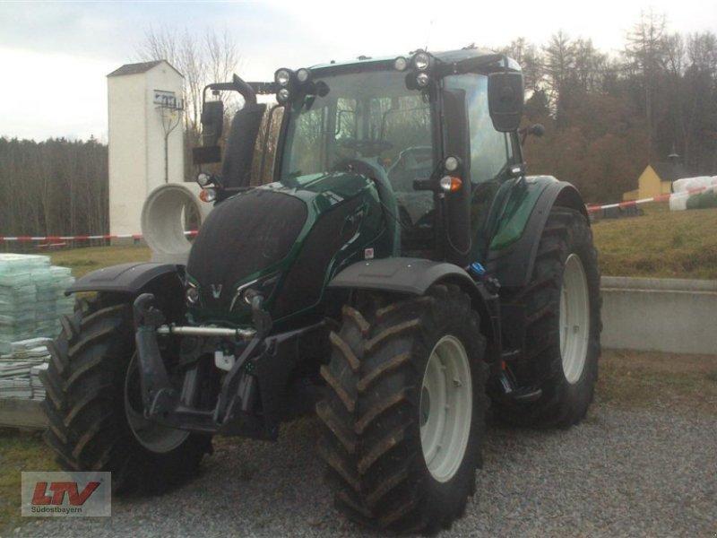 Traktor des Typs Valtra N 114e H 1B7, Neumaschine in Eggenfelden (Bild 2)