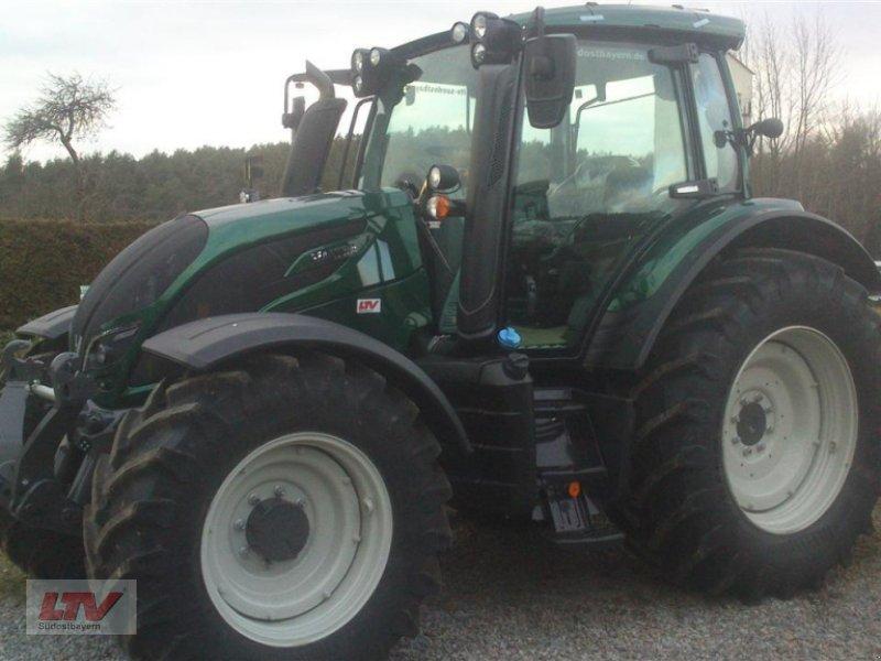Traktor des Typs Valtra N 114e H 1B7, Neumaschine in Eggenfelden (Bild 3)