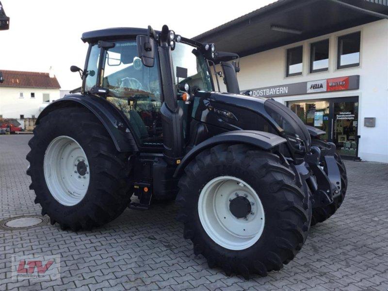 Traktor des Typs Valtra N 114e H 1B7, Neumaschine in Eggenfelden (Bild 1)