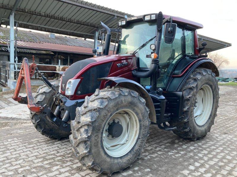 Traktor типа Valtra N 123 HiTech, Gebrauchtmaschine в Backnang (Фотография 1)