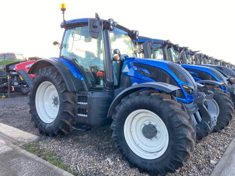 Traktor des Typs Valtra N 134 A, Neumaschine in Grantham (Bild 1)