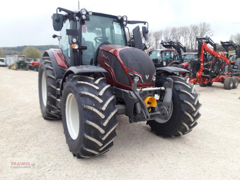 Traktor типа Valtra N 134 D mit FKH+FZW, Neumaschine в Mainburg/Wambach (Фотография 1)