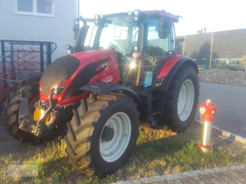 Traktor des Typs Valtra N 134 D, Gebrauchtmaschine in Schopfheim (Bild 1)