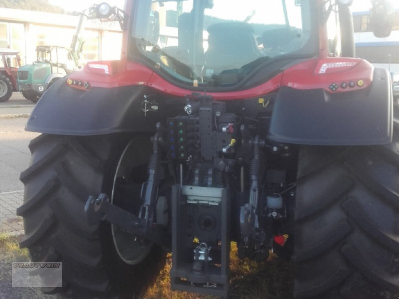 Traktor des Typs Valtra N 134 D, Gebrauchtmaschine in Schopfheim (Bild 3)