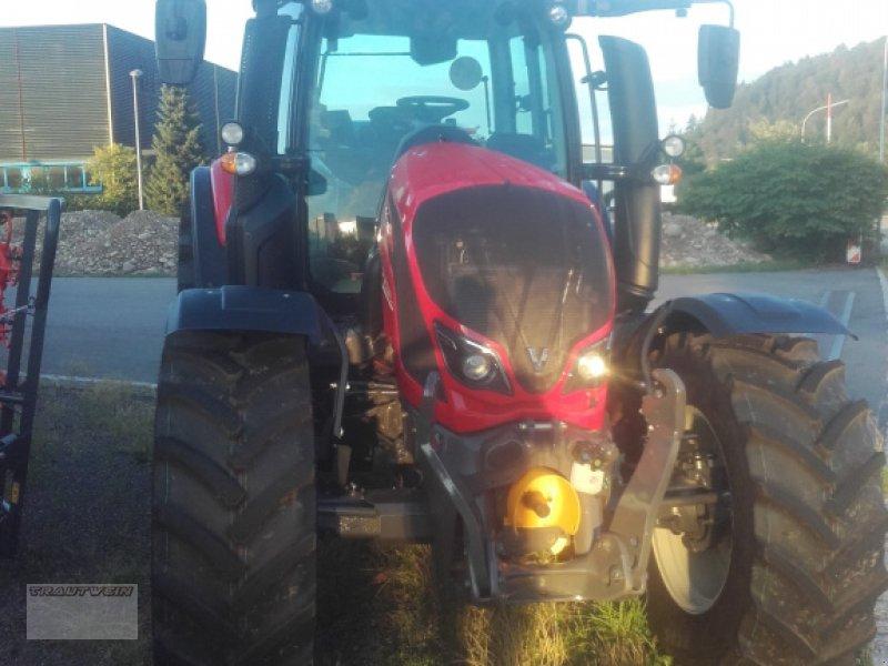 Traktor des Typs Valtra N 134 D, Gebrauchtmaschine in Schopfheim (Bild 2)