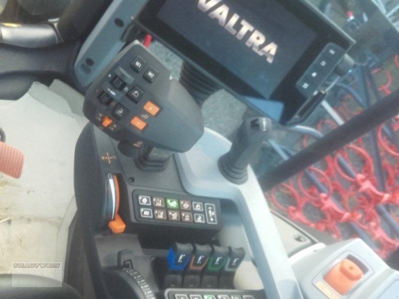 Traktor des Typs Valtra N 134 D, Gebrauchtmaschine in Schopfheim (Bild 4)