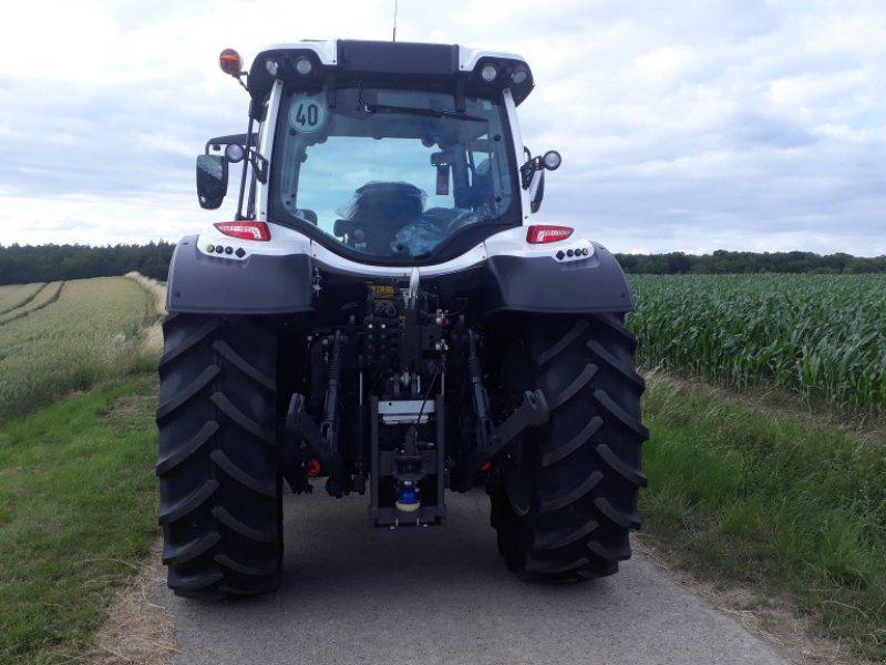 Traktor des Typs Valtra N 134, Gebrauchtmaschine in Uffenheim (Bild 4)
