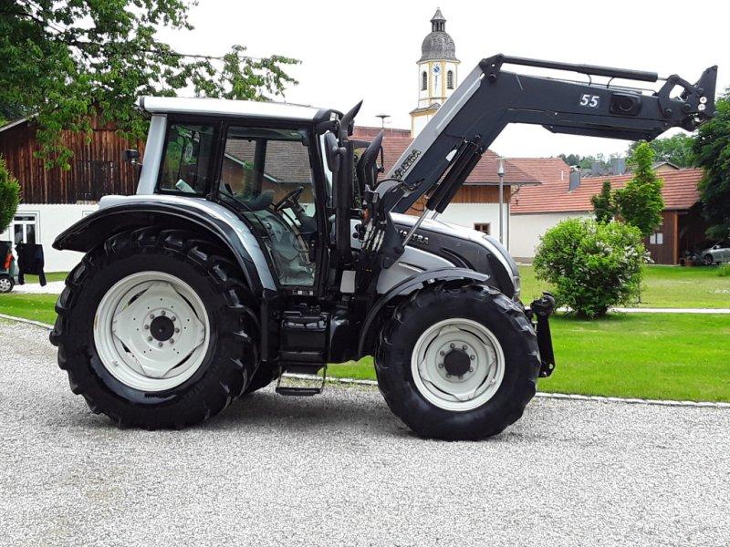 Traktor des Typs Valtra N 142, Gebrauchtmaschine in Oberornau (Bild 1)