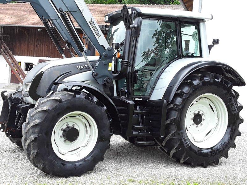 Traktor des Typs Valtra N 142, Gebrauchtmaschine in Oberornau (Bild 2)