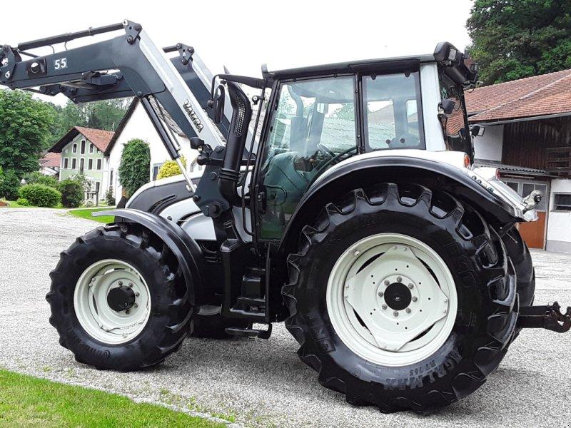 Traktor des Typs Valtra N 142, Gebrauchtmaschine in Oberornau (Bild 3)
