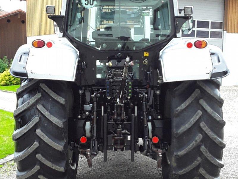 Traktor des Typs Valtra N 142, Gebrauchtmaschine in Oberornau (Bild 4)